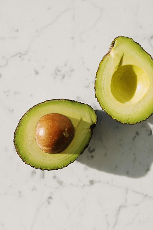 Kaum zu glauben: Die cremige Textur der Avocado inspirierte den Eierlikör.