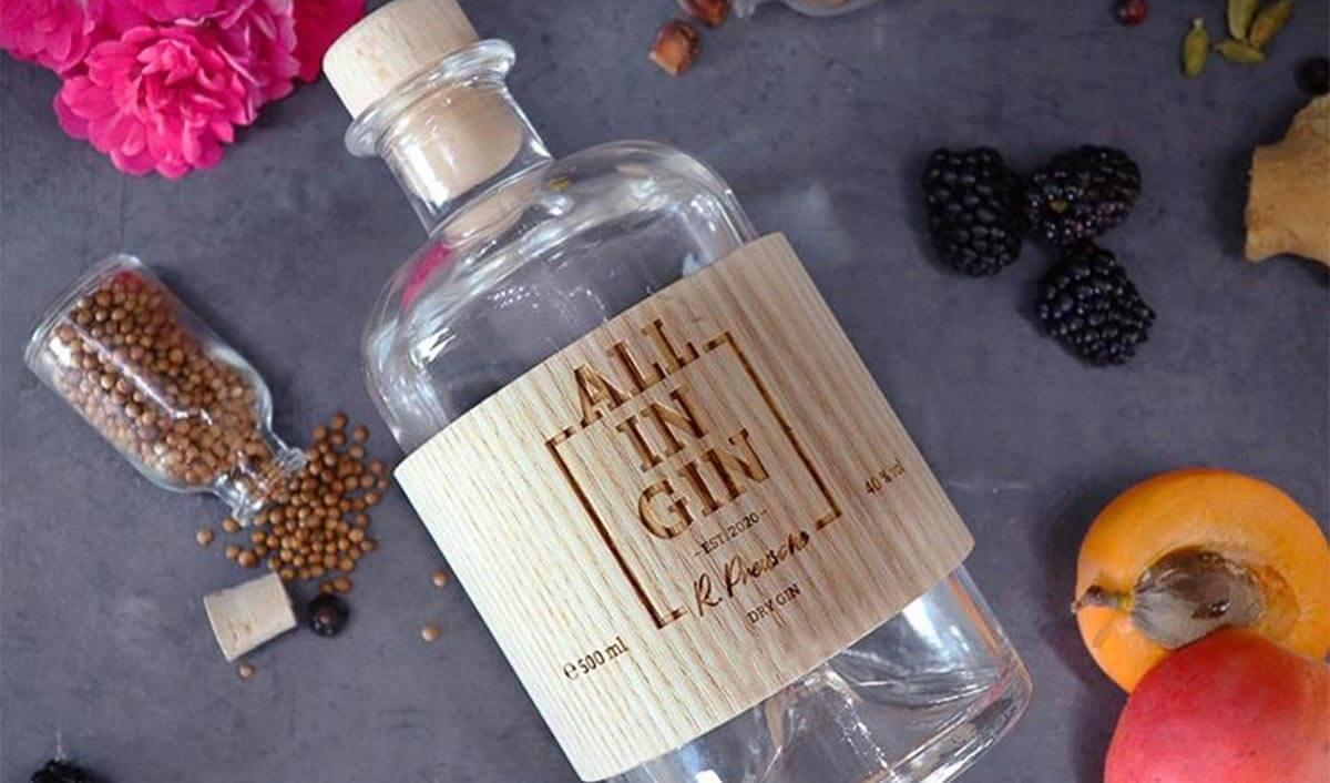 Der All In Gin aus dem Schwarzwald ist ein gutes Beispiel für Dry Gin.