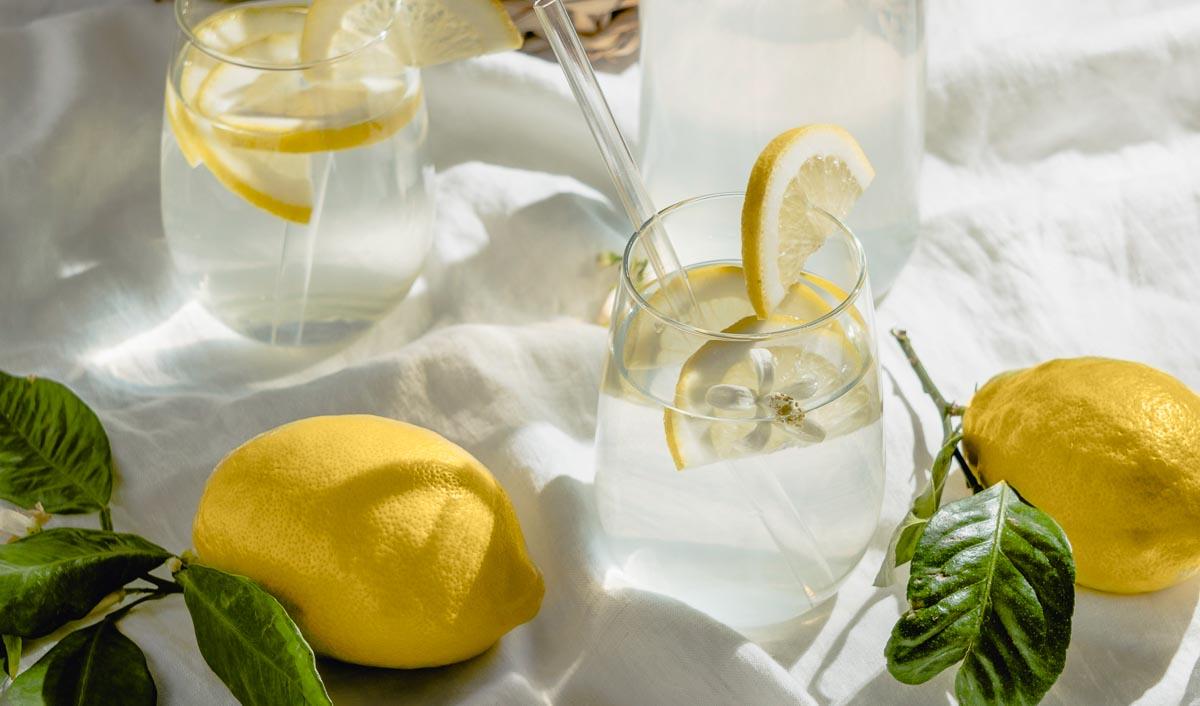 Die wesentlichen Bestandteile einer Limonade: Wasser, Zucker & Zitrone
