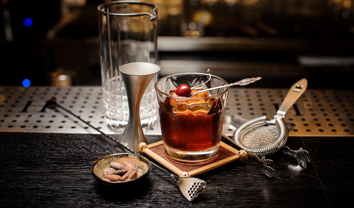 Der Manhattan ist ein klassischer Whisky-Cocktail - und einfach zuzubereiten