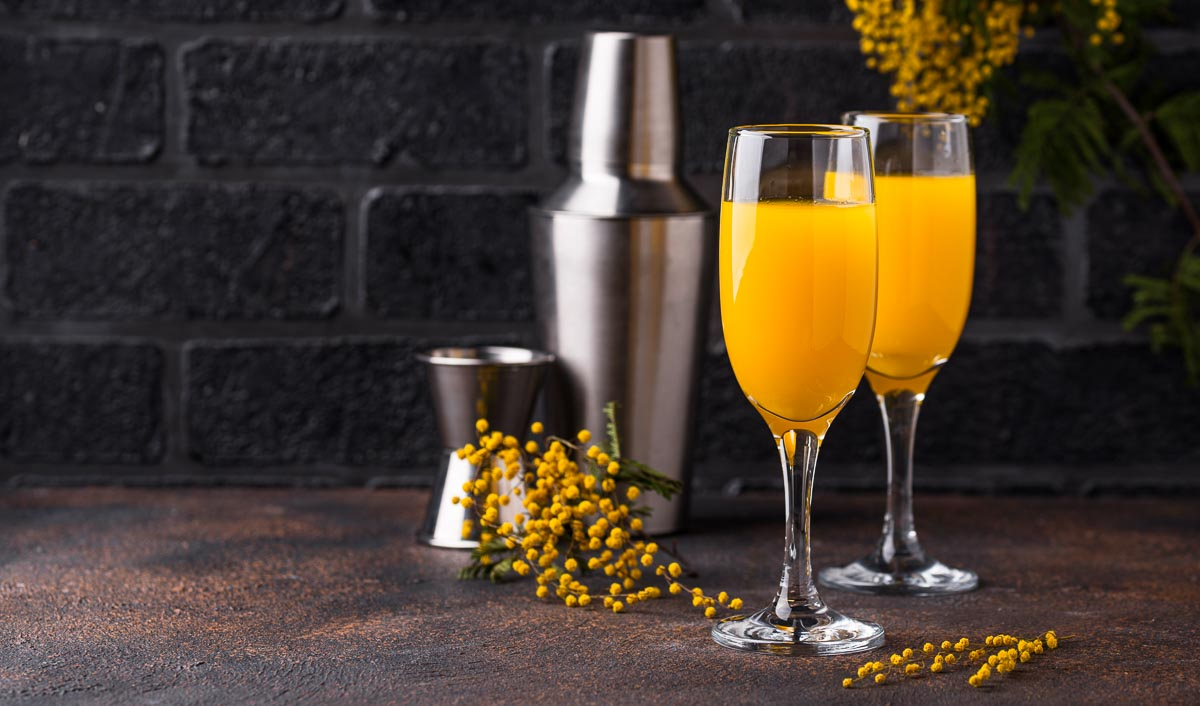 Mit alkoholfreien Alternativ-Getränken lässt sich auch ein Virgin Mimosa super einfach zubereiten