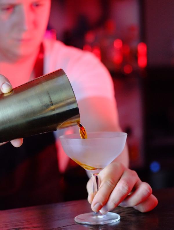 Das Team hinter Spirits of Kaldi besteht aus einem Kaffeeröster und Barista sowie 3 Barkeepern - natürlich eignet sich Coffee Gin also perfekt für Cocktails